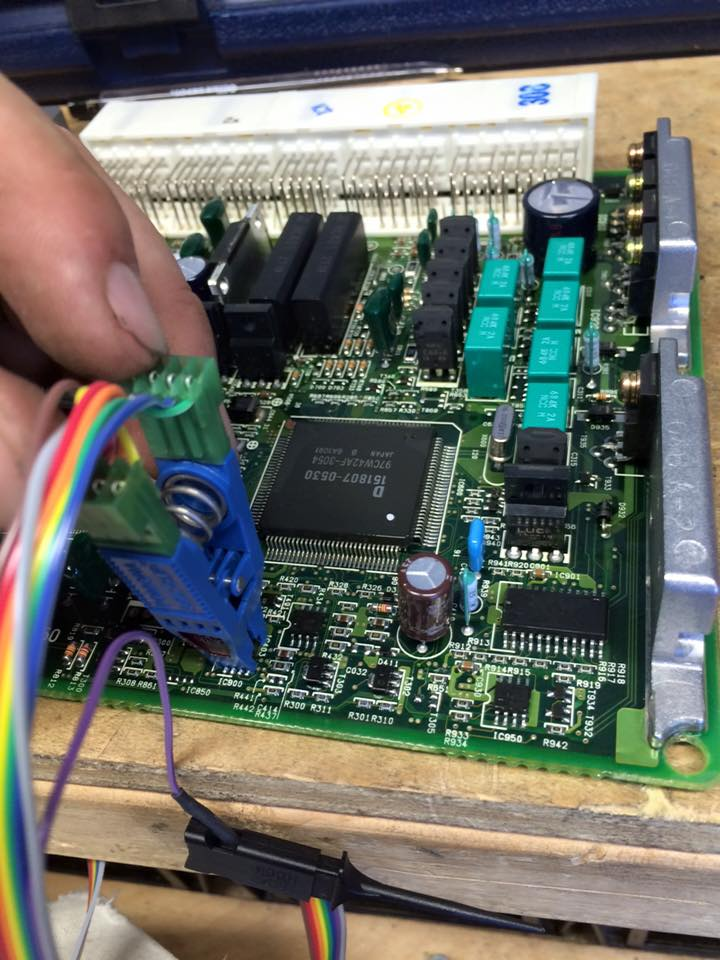 image of a car computer board
